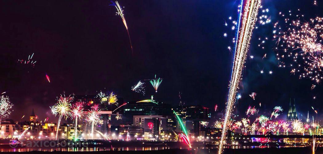 Silvester 2015 Silvester Happynewyear Feuerwerk Cologne Thisiscologne Deutschland Germany Köln EyeEm Best Shots EyeEm Deutschland Happy New Year 2015