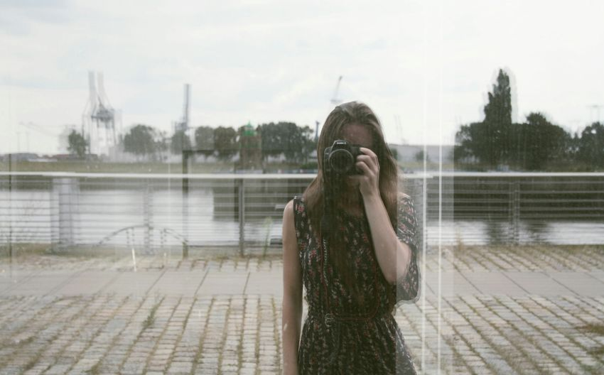Oh.. Hii?! Showcase July Portrait Woman Portrait Of A Woman Simplicity Blurred Reflection Window Reflections Summertime Summer White Enjoying Life Getting Inspired Taking Photos Shootermag Faces Of EyeEm EyeEm Best Shots