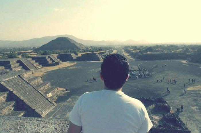 Calzada de los Muertos - 📷🔺 Teotihuacan Mexico Sun and Moon Pyramids Mexico Visit Mexico Winter Solstice SolsticioDeInvierno Ancestors Prehispanic Sepia_collection Sepia Photography Bestshot