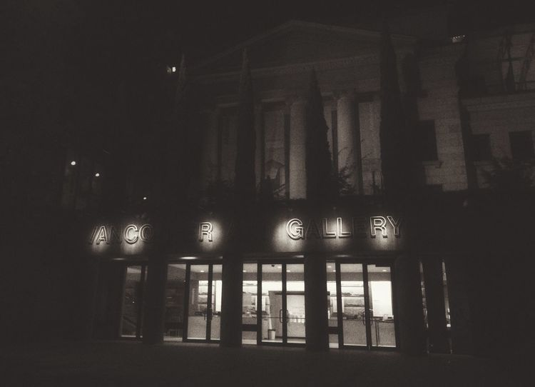 Vancouver Art Gallery Vancouver Art Gallery Nightphotography Noir Black And White Architecture Art Is Everywhere