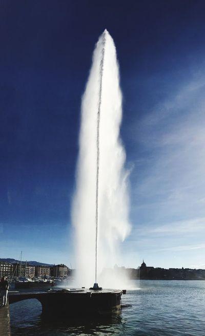 Le Jet D'eau Geneve Bleu Love City