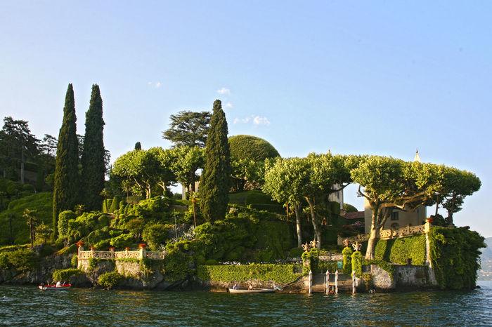 Willa with a beautiful garden and a berth on the shores of Lake Como. Italy Berth Como Como Lake Garden Italy Italy❤️ Lake Life Landscape Quay Summer Summertime Tree Willage