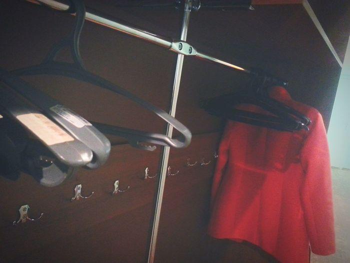 Когда приходишь первый😆и устраиваешь себе экскурссию по любимому глобусу Hi! English Class Dunny Armoire Coat Redcoat Hangers