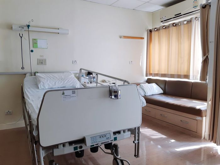 Emergency Patient Patient's Bed Hospital Bed Bed Room Bed Sickness Sick Bed Room Room Decor Home Interior DIY Architecture Built Structure Pillow Bedroom