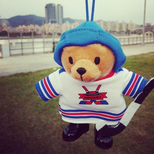 感謝犀牛從上海帶來的曲棍球熊熊Hockeybear Socute