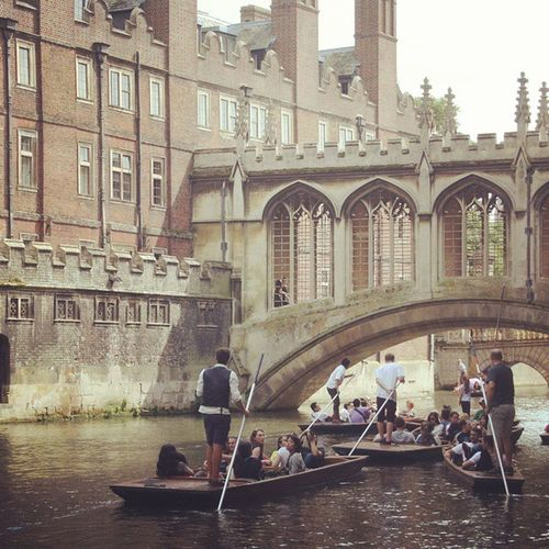 If you go to Cambridge you must have a punt on river. Have the tour with the guide they will tell you a lot about the colleges and the history of Cambridge. LoveEngland Exploring New Ground Cambridge England Summer Balancing Act Justaroundthecorner