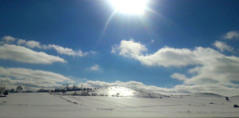Boylesi bir kar pırıltısı görmemiştim. Snow Winter Sky Sunlight Cold Temperature Sun Cloud - Sky Nature Outdoors Scenics Mountain Landscape Day No People Beauty In Nature çorum Il Sınırı Trip Visiting Mini Holiday Kar Daglar Gunes Parıltı ışılışıl Break The Mold The Great Outdoors - 2017 EyeEm Awards