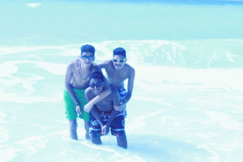 That's Me With Friends Beach Time Love The Sea