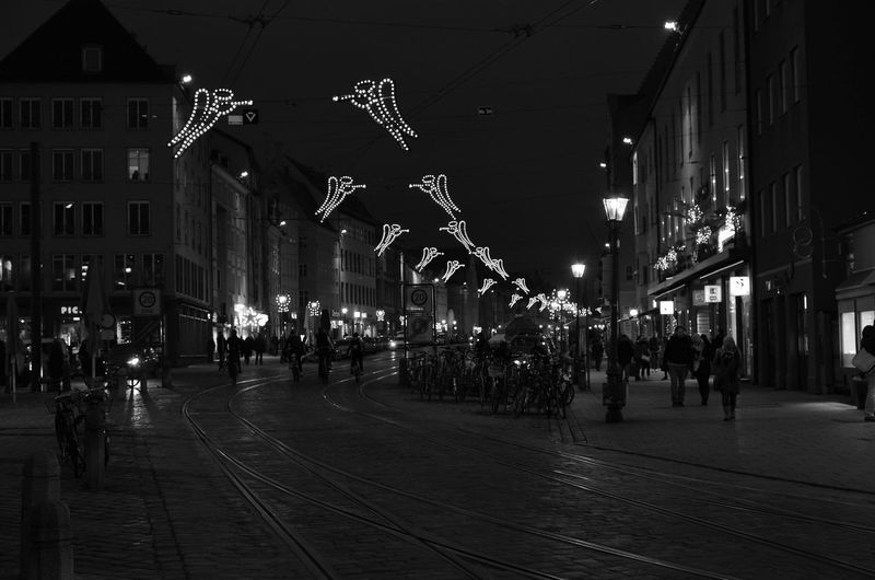 EyeEm Best Shots Nikon Architecture Bestpic Bnw Building Exterior Built Structure Celebration City Crowd Illuminated Large Group Of People Men Night Nightshot Nikonphotography Outdoors People Picoftheday Real People Street Weihnachtsbeleuchtung Weihnachtsmarkt Women