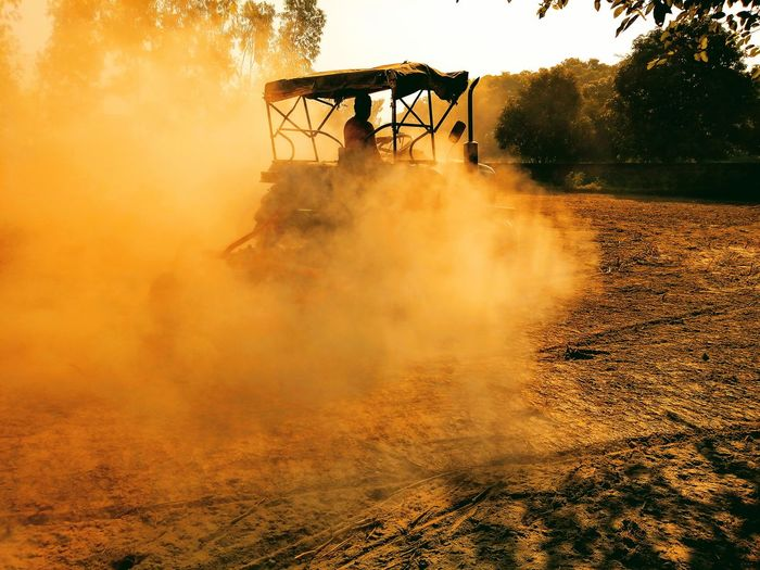 agriculture field Extremely Agriculture Nature Machine Technology Field Kheti India Agriculture EyeEmNewHere Colors Metal EyeEm Selects Tree Background Sport Oil Pump Agriculture Spraying Dust