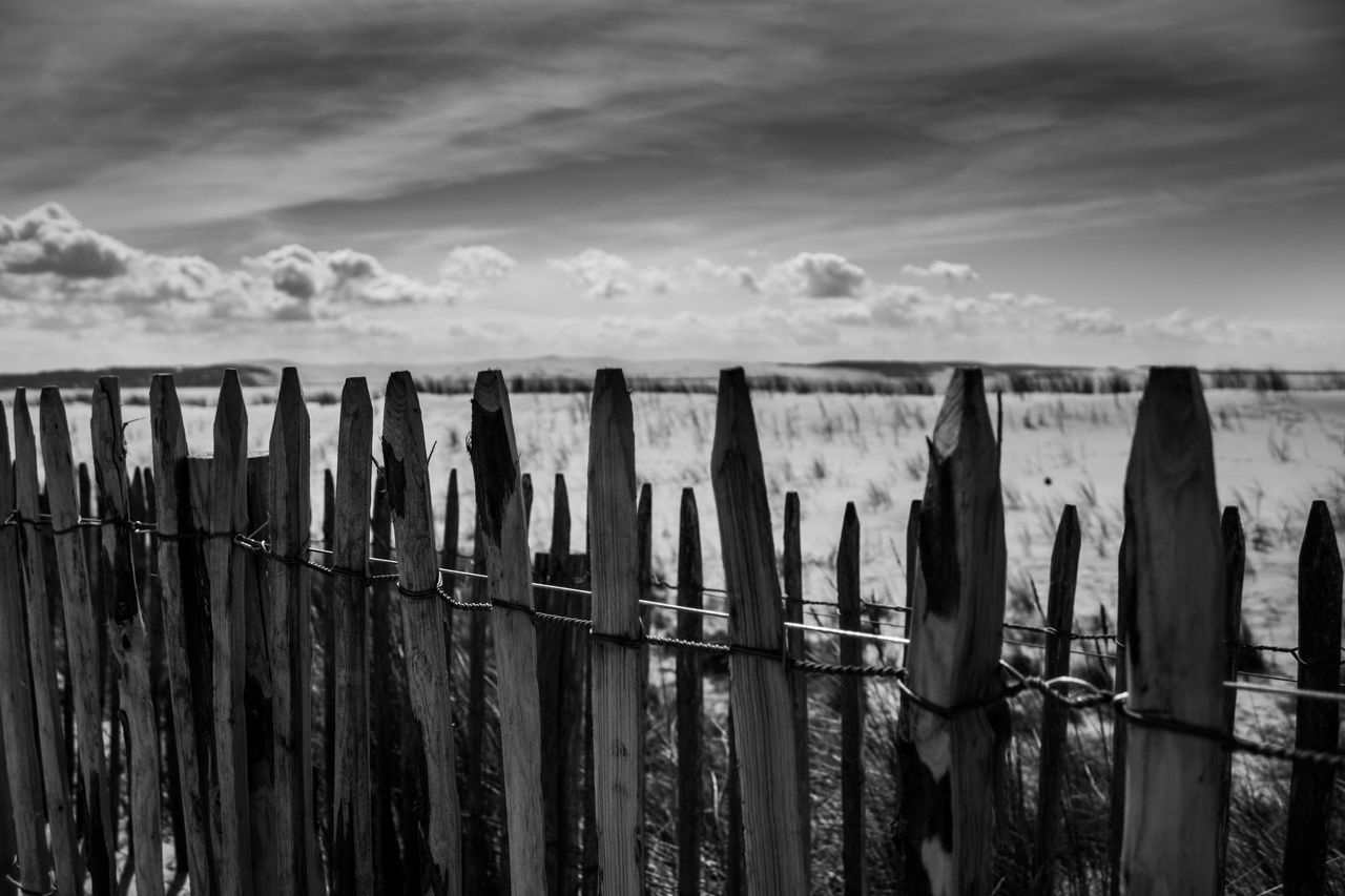 sky, outdoors, cloud - sky, nature, water, no people, horizon over water, railing, sea, scenics, beach, day, wooden post, beauty in nature, tranquility