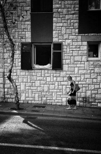 Streetphotography The Street Photographer - 2015 EyeEm Awards The Architect - 2015 EyeEm Awards Shades Of Grey p Black & White Walking Around The City  Sunday Morning Walk Light And Shadow