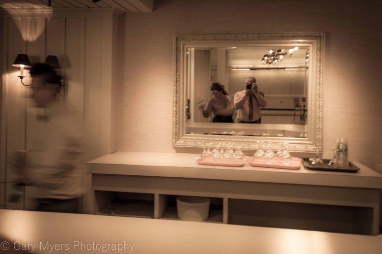 Parallel Lines Mirror Photographer Weddingphotographer Blur Blurred Motion Bartender