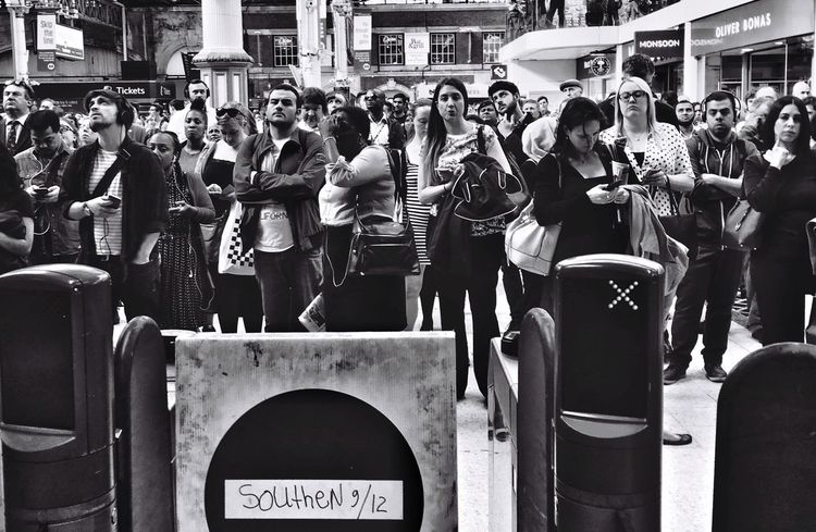 Postcode Postcards Train Station Delay Frustration Victoria Large Group Of People People Crowd Journey London