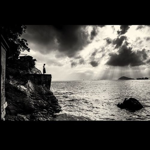 A Little Hope !! The_photosociety Clouds Landscape Blacknwhite People Streetphotography Seascape Hope Trust Faith Ig_great_shots_bnw Blacknwhite Bnw_magazine Turkobjektif_bw The_thephotostudio Blackandwhitephotography Black Bw_photooftheday Bw_society Bnw_life Bnw_planet Bnw_life Bnw_society Bnw_captures Bnw_landscape bnw_piemonte bw_divine