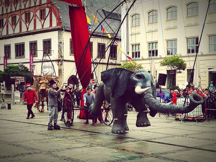 Theater For Children Theater Childrensmusicals Street Biggest Marionettes Of The World City People And Places Marionettes People And Places.
