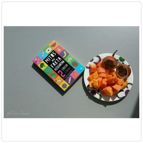 Everyday Joy Fruitsforbreakfast Fruits Healthy Healthy Food Foodphotography Foodcombining Photography Books