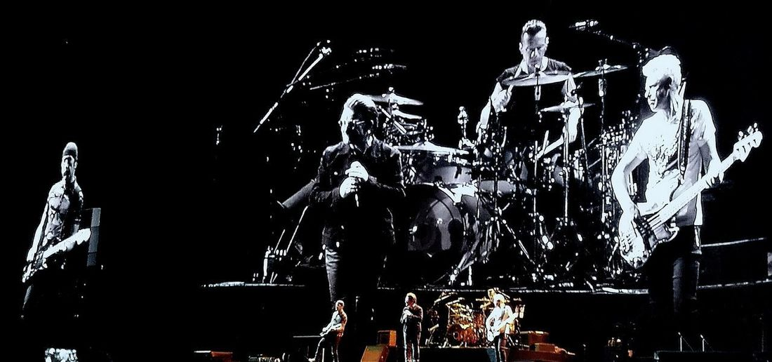 Popular Music Concert Lovely Olimpico Di Roma U2 U2- 360°Tour TheJoshuaTree Emozioniuniche Arts Culture And Entertainment Enjoying Life Rockstar Happyness People Fun Indoors  Adults Only Night Adult Only Men