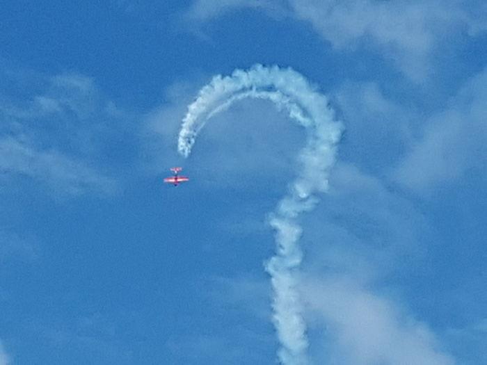 plane making a