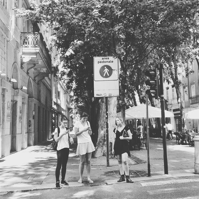 "In ""Aquedotto""... TriesteSocial Urban Lifestyle Enjoying Life Streetphotography People Girl Fashion Street Fashion Open Edit"