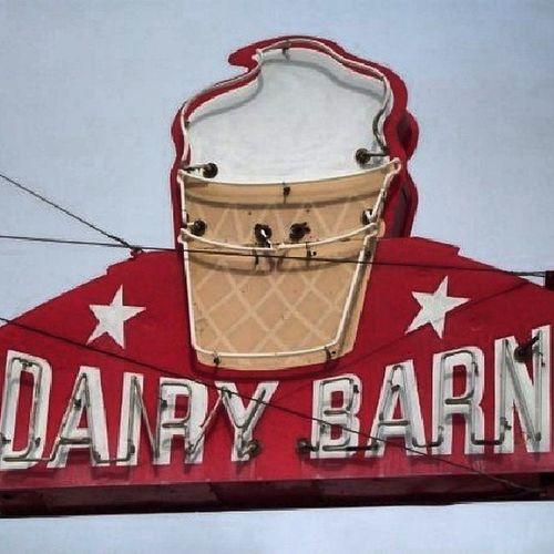 Dairy Barn - Wamego Kansas Signjunkie Savethesigns Retrosigns Neonorgy neonporn vintageneon vintagesigns rsa_rural royalsnappingartists rsa_ladies