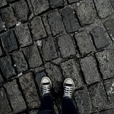 Les pieds sur terre et i'esprit voyage loin...