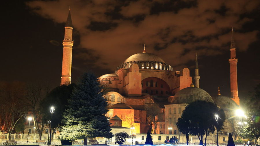 Night in Istanbul History Through The Lens  Historical Buildings Historical Building Agia Sofia Istanbul Istanbul Landmarks Night Photography Night Lights Night Shot 3XPUnity Taking Photos Close-up Architecture And Art Architectural Detail Illuminated Dome City Place Of Worship Religion Sky Architecture Cupola