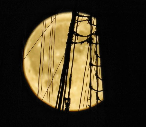 Ropes On A Boat FullMoonLight FullMoonNight Fullmoon Behind Ropes