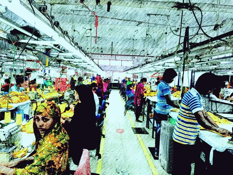 43 Golden Moments The money machine Huawei Mate 8 Woman Power Women Women Who Inspire You Women Of EyeEm WomeninBusiness Womensfashion Women Portraits Garmentconstruction Garment Garments Worker Garment Factory