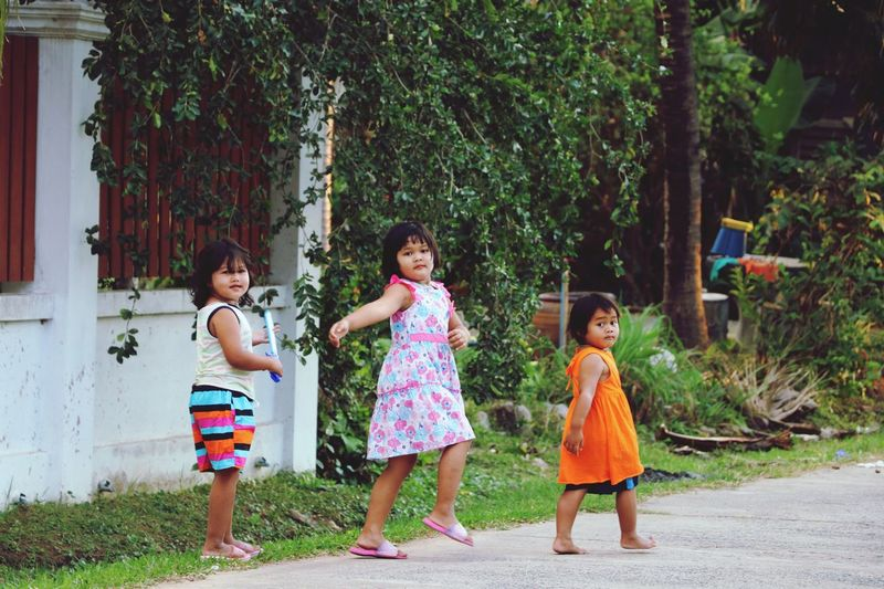 fashion walking Child Girls Females Women Offspring This Is Family Happiness Togetherness Family Friendship Positive Emotion Outdoors Full Length Sibling Sister Fun This Is Family