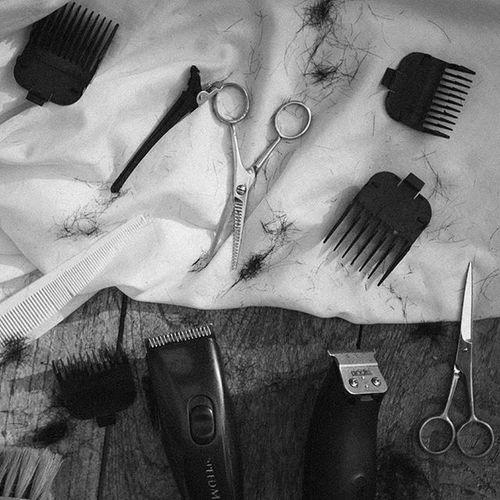 ต้องใช้ความพยายามแค่ไหนเพื่อไม่ให้สูญเสียความเป็นตัวเอง Lumixgx8 Haircut Hairstyle Andismaster Andis  ANDISCLIPPERS Trimmer Barberlife Barbergang