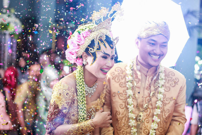 Wedding of java Celebration Happiness Fun Multi Colored Party - Social Event Cheerful Portrait Adult Two People Confetti Smiling Wedding Wedding Photography Weddingphotography Wedding Ceremony Weddings Around The World Weddingfoto Weddingday  Wedding Photos Weddingstory Weddinginspiration Wedding Around The World
