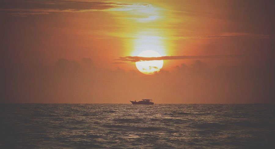 Never miss a sunset😍❤️ Water Sea Sunset Beach Sun Sunlight Awe Reflection Multi Colored Sky Offshore Platform Drilling Rig Crude Oil Oil Field Seascape Oil Well Coast Oil Pump Rushing Ocean Refraction Surf Horizon Over Water Calm Rippled Oil Industry Tide Wave Dramatic Sky Float