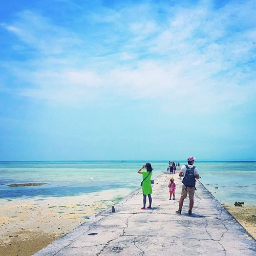 竹富島 西桟橋 Taketomi Island Taketomi Taketomi Island From Okinwa Taketomiisland Taketomijima Yaeyama Okinawa OKINAWA, JAPAN Blue Sky Bluesky Bluesea Sea Sky Pier Jetty Family