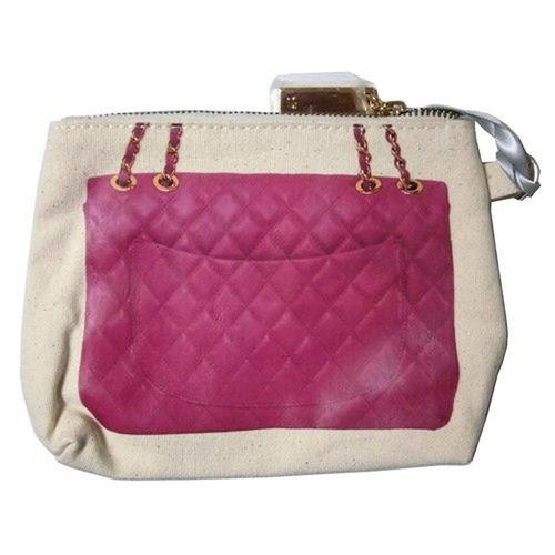 小物入れ セレクトショップレトワールボーテ ポーチ 化粧ポーチ Facebookページ レトワールボーテ ピンク Pinklife MakeupBag ピンクメイク Pink Business Suitcase Backgrounds Red Old-fashioned Pink Color Grunge Scratched Briefcase Money Square Shape