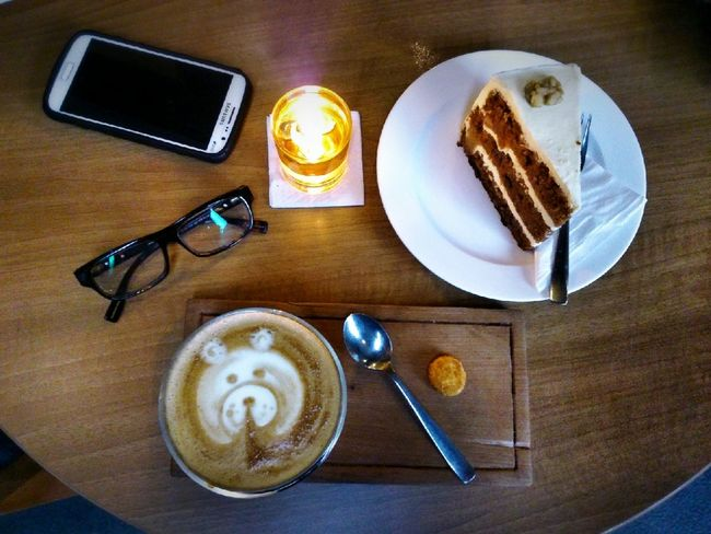 Coffee And Sweets Coffee Cafein Drink Of The Day Cafe Latte Latte Art Simply Delicious Dessert On The Table Afternoon Coffee Coffe Shop