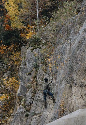 Nature Autumn Rocks Net Net Climber Climb Climbing Climber Men Full Frame Hiker Textured  Rock Climbing