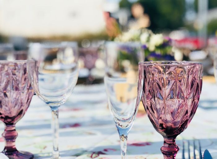 Cristal EyeEm Selects Food And Drink Refreshment Drink Glass Table Wineglass Still Life Glass - Material Household Equipment Champagne Flute Freshness Alcohol Drinking Glass Close-up No People Wine Food Focus On Foreground Day Transparent