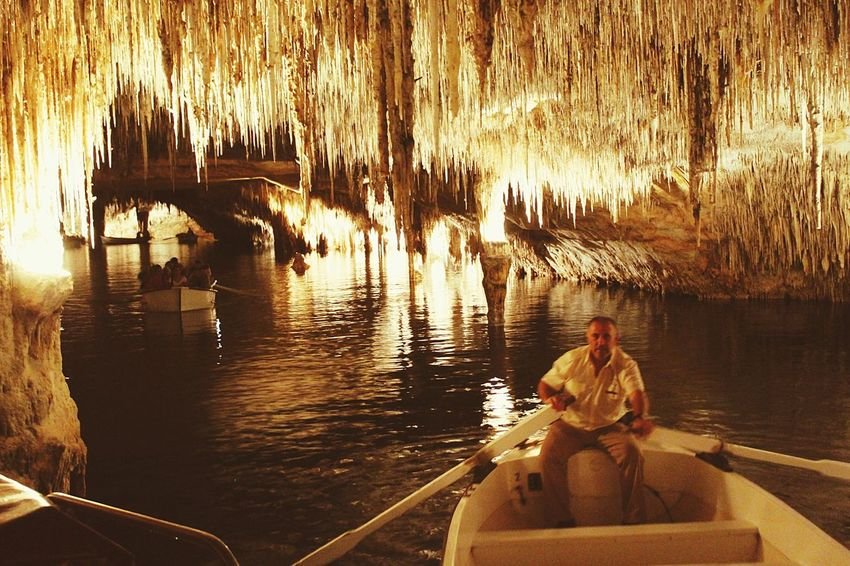 Stalactite Cave Porto Cristo Spanien Tropfsteinhöhle Travel Destinations Nature Water Reflection Amazing Nature Adventure Outdoors Boat EyeEm Nature Lover EyeEmNewHere Mallorcaphotographer Mallorca 🌴 Lichtspiegelung I Love It ❤ Cuevas Drach An Eye For Travel