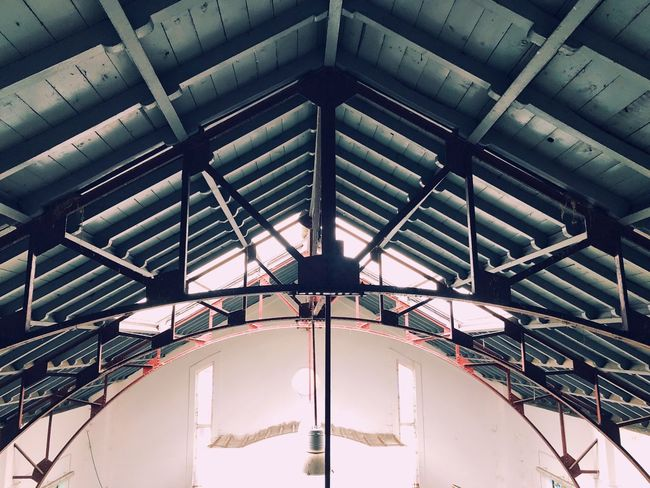 Tejado Simetry Ceiling Indoors  Low Angle View Architecture Built Structure Day No People Close-up Sky