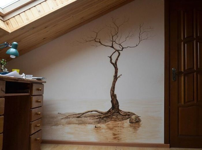 Drawing (watercolor on the wall)