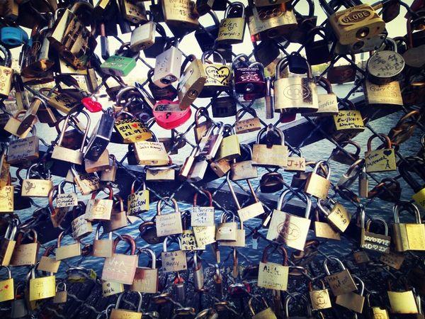 Love Locks Lovers Pont Des Arts