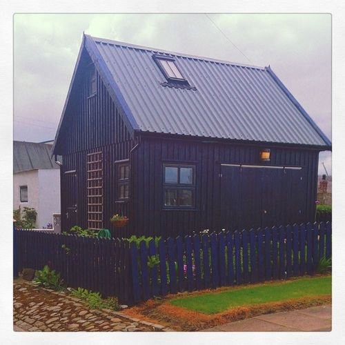 Kept my favourite shed til the end..... I could quite happily live in that shed, sigh.... Mycamerastories Myfavouriteshed Shed Wooden fence beautiful blue structure architecture doors window love favourite icouldlivethere fittie footdee aberdeen traditional fishingvillage history filminginscotland documentary beautiful love blue igscotland instascotland BrilliantMoments Scottish Scotland