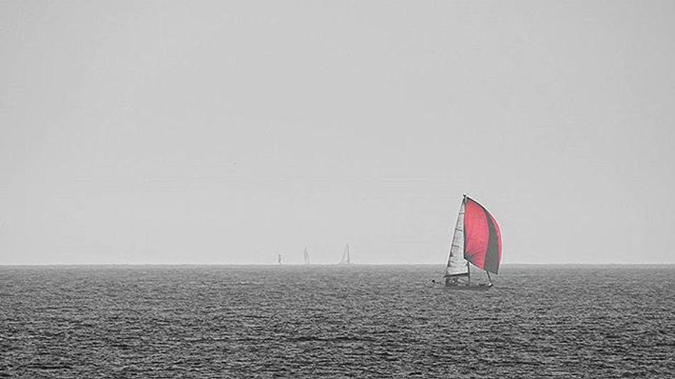 Un día gris Riasbaixas Vigo Galifornia Paisajes Mar Barco Barcodevela Riadevigo Pontevedra Samil Galicia