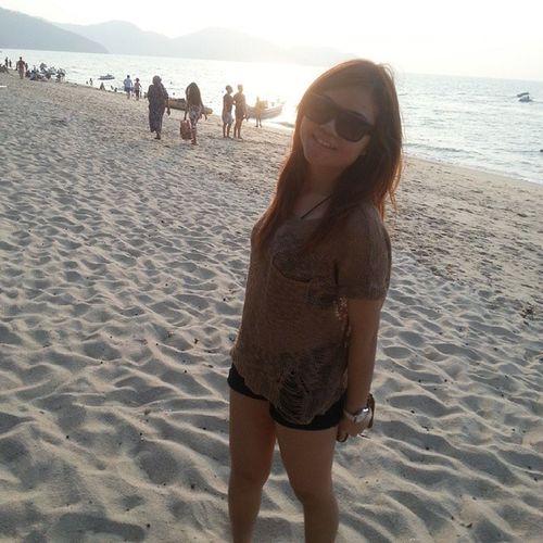 i like beach!!☀???? Feel like want to go to beach again.? Beach Throwback Ootd Penang sunshine instapic asian asiangirls studentlife enjoy likeforfun