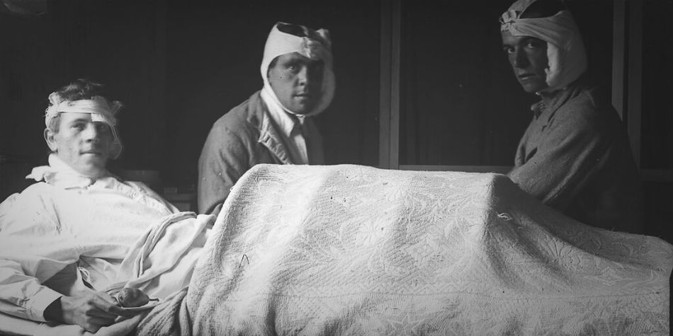 Glass negative: Wounded WW1 soldiers Black And White Black & White War Ww1 Glass Negatives