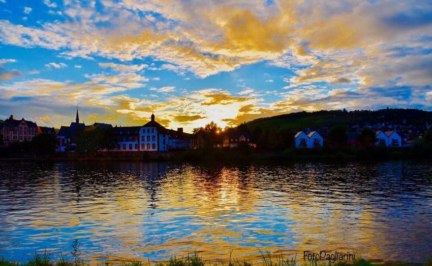 Reflection Sunset Travel Destinations Sky River Water Waterfront Sunset Silhouettes Sunset_collection EyeEm Gallery Eye4photography  EyeEm Best Shots Bernkastel-Kues Old Germany Town An Der Schönen Mosel Architecture No People Beauty In Nature Cloud - Sky Nature Day Creative Light And Shadow CreativePhotographer From My Point Of View