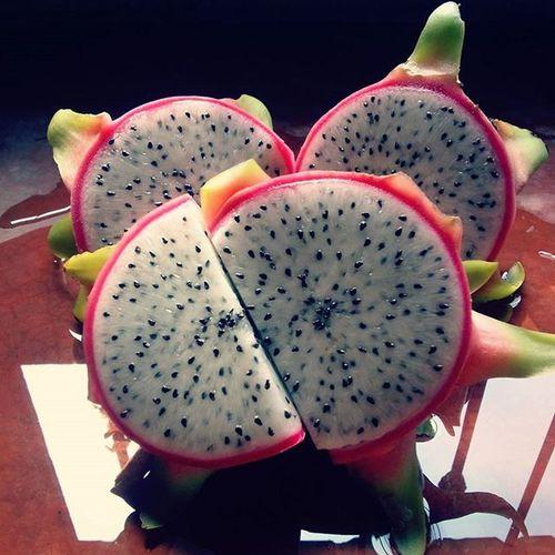 ¿Pitaya o pitahaya? De cualquier forma es deliciosa... Fruta Mexico Dulce Fruta Frucht Lecker Rote Geschmack