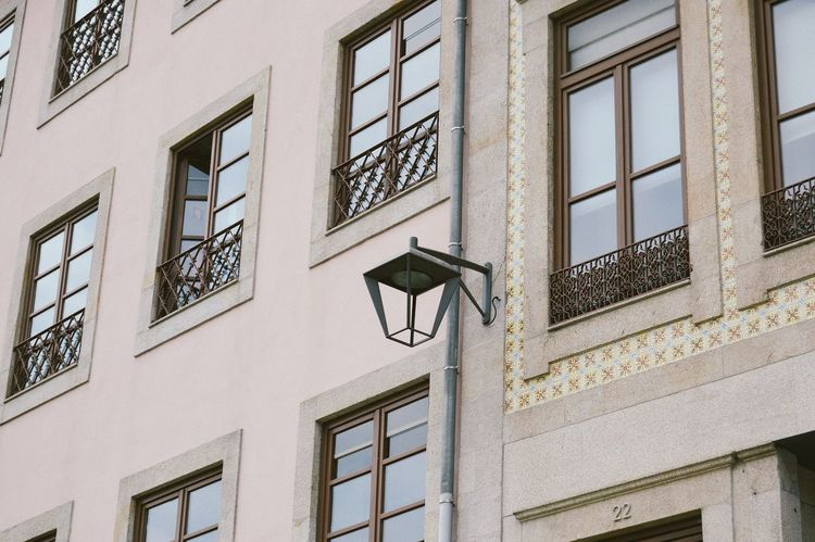 City Details Architecture Building Exterior Built Structure City City Life City Lights Day Direction Eye4photography  EyeEm Best Shots Guidance House Light Low Angle View No People Outdoors Pink Window