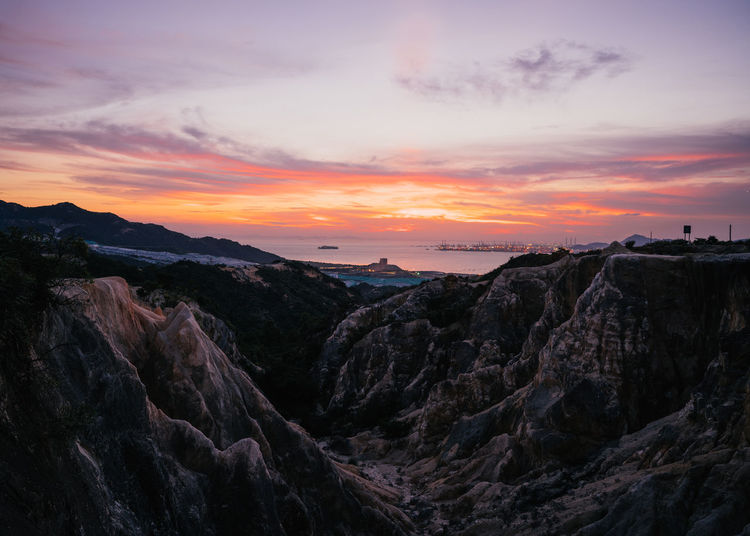 Sunset red on Por Lo Shan Beauty In Nature Cloud Cloud - Sky Dramatic Sky Horizon Over Water Idyllic Majestic Mountain Nature No People Non Urban Scene Non-urban Scene Orange Color Outdoors Remote Rock Rock - Object Rock Formation Scenics Sea Sky Sunset Tranquil Scene Tranquility Water